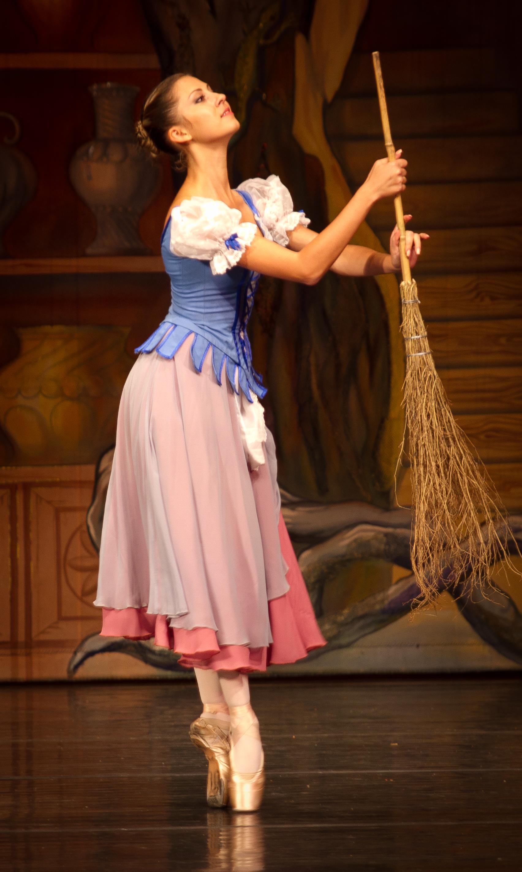 Moscow Ballet's Cinderella